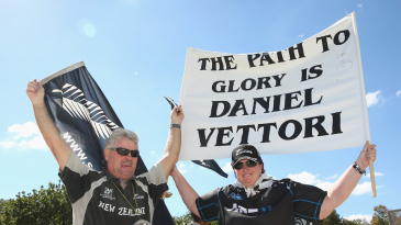 Daniel Vettori fans make their voices heard