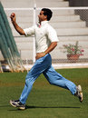 Abid Nabi bowls at the nets, Mumbai, March 26, 2006