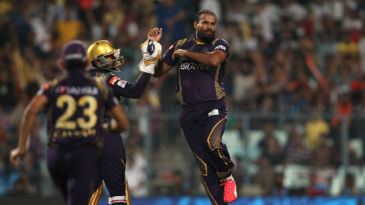 Yusuf Pathan is congratulated by wicketkeeper Robin Uthappa