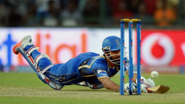 Ajinkya Rahane dives to make his ground