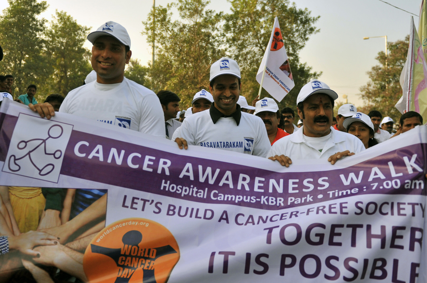 Gopichand (middle) with VVS Laxman at a cancer awareness walk