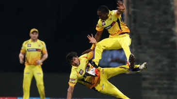 Dwayne Bravo and Mohit Sharma got into a collision