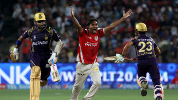 Sandeep Sharma successfully appeals for the wicket of Robin Uthappa