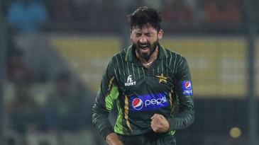 Junaid Khan had Soumya Sarkar caught behind for 17