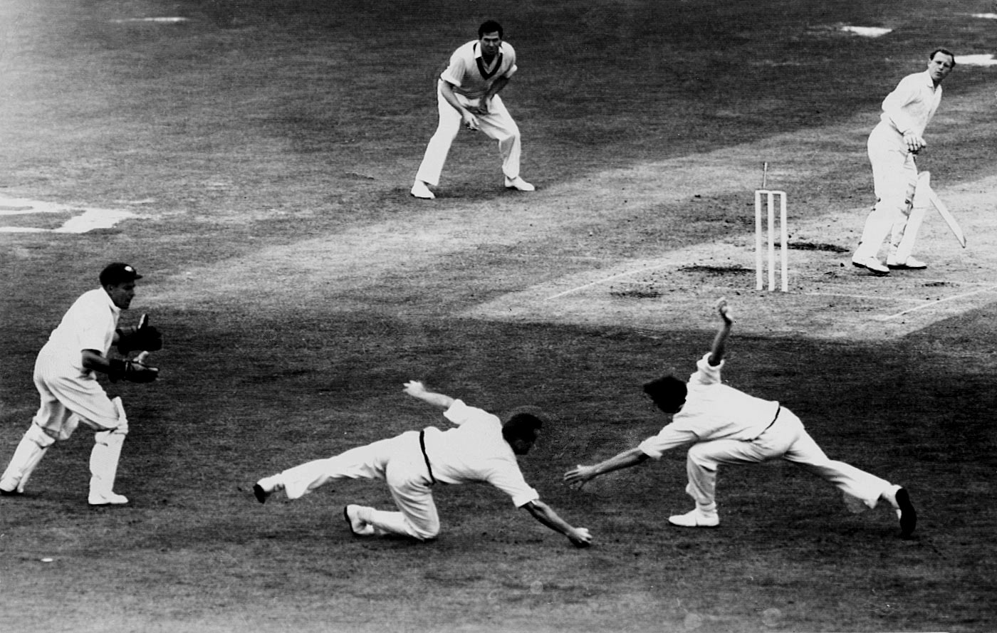 Bob Simpson was the ideal foil at slip for the likes of Alan Davidson and Richie Benaud, who took the ball away from the right-handers