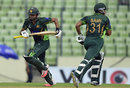 Azhar Ali and Sami Aslam added 91 runs for the first wicket, Bangladesh v Pakistan, 3rd ODI, Mirpur, April 22, 2015