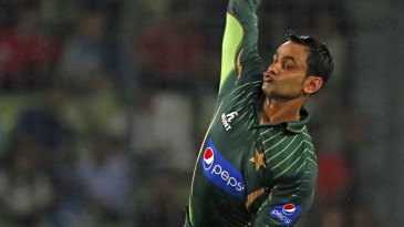 Mohammad Hafeez bowls for the first time in an ODI after being cleared by the ICC