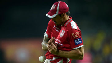 Mitchell Johnson fails to hold on to a catch