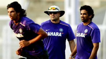 India's bowling coach Joe Dawes with Ishant Sharma and Zaheer Khan