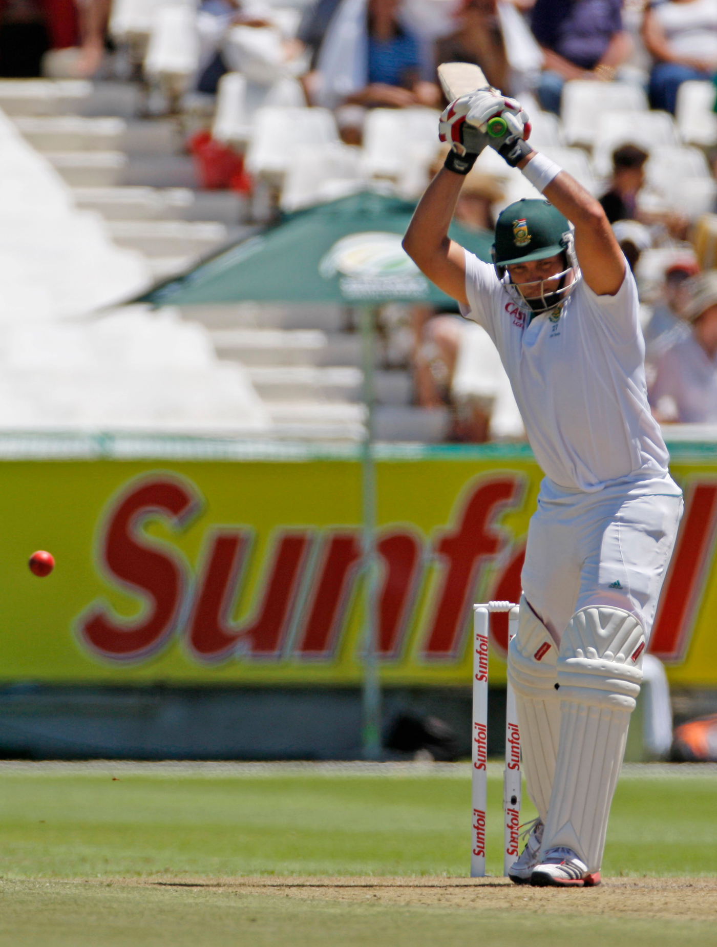 Jacques Kallis leaves the ball