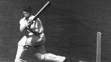 Harry Lee bats for Middlesex