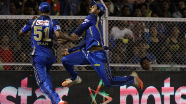 Deepak Hooda and Brainder Sran collided while fielding near the boundary
