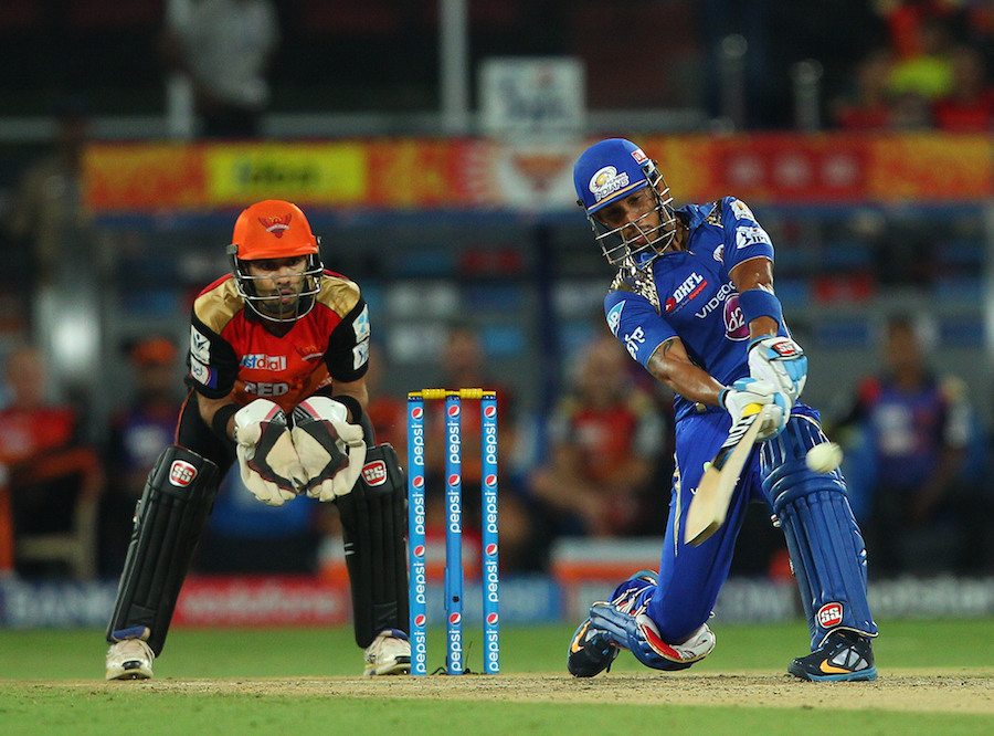 Lendl Simmons propelled Mumbai's chase with a 106-run opening partnership with Parthiv Patel