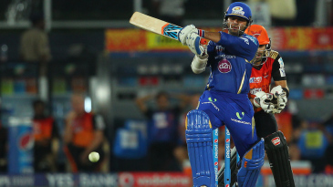 Parthiv Patel steered Mumbai's chase with an unbeaten 51