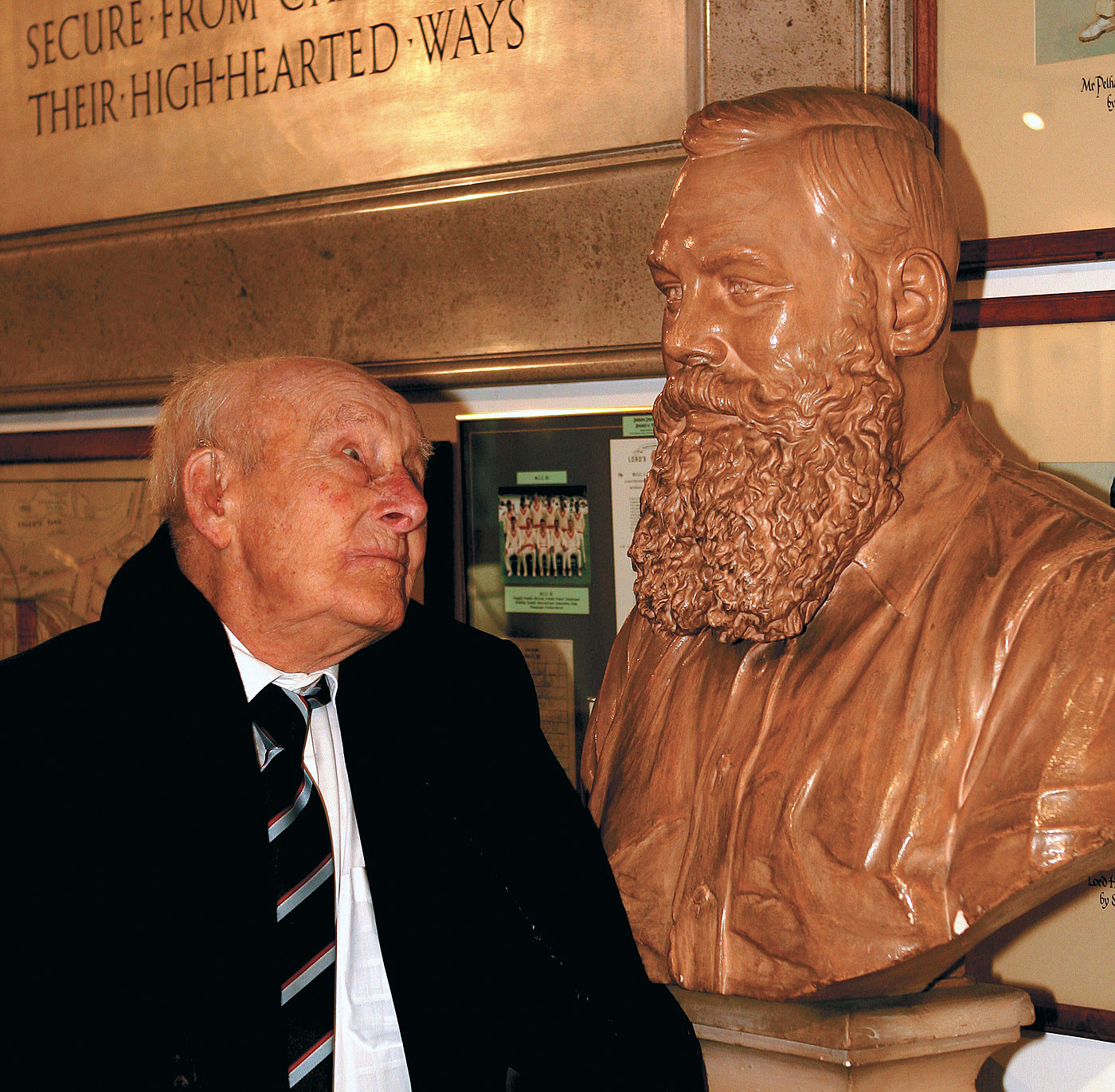 The Doctor's oldest patient: Henry Allingham, who watched WG Grace play, poses with a bust of Grace at the MCC in 2007