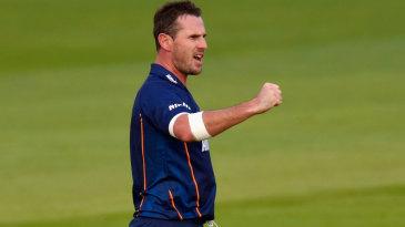 Shaun Tait picked up three wickets