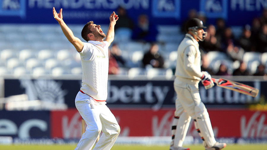 Mark Wood broke a century stand when he had Brendon McCullum lbw
