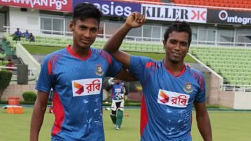 Mustafizur Rahman and Rubel Hossain before bowling in the nets