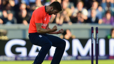 Mark Wood bowled Brendon McCullum