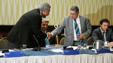 N Srinivasan congratulates Zaheer Abbas