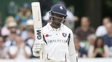 Daniel Bell-Drummond sped to a 92-ball hundred