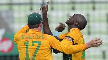 Eddie Leie picked up three wickets on his debut