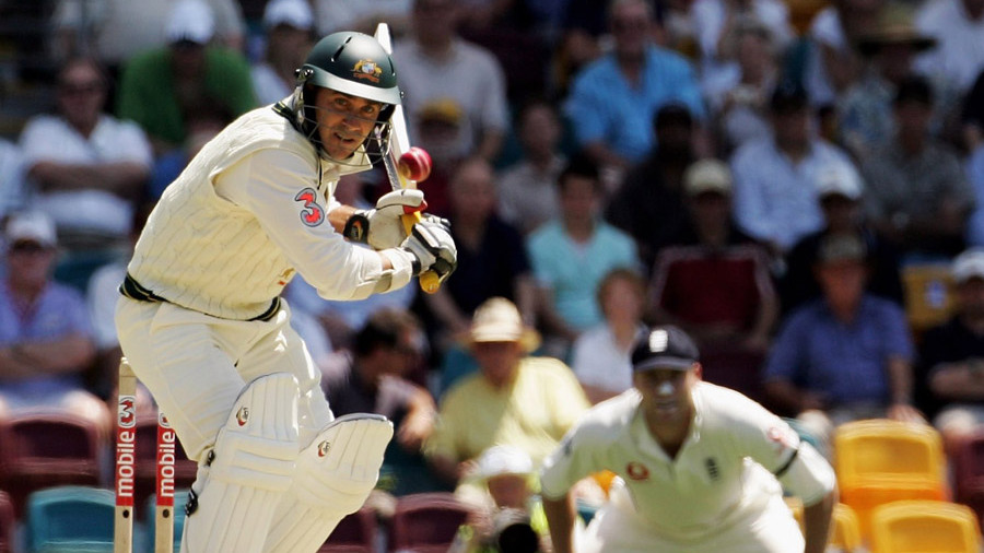 Justin Langer has his eyes on the ball