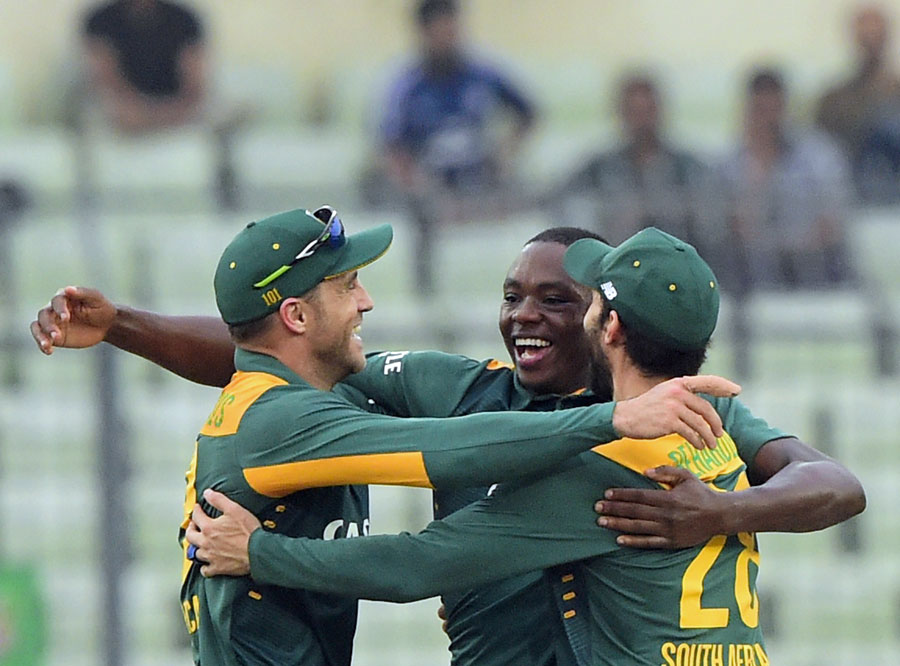 Rabada's record six-for sets up South Africa win