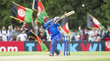 Mohammad Shahzad struck seven sixes and five fours in his 36-ball 75