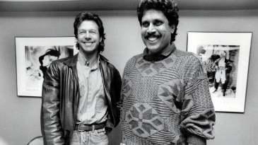 Imran Khan and Kapil Dev are all smiles for the camera