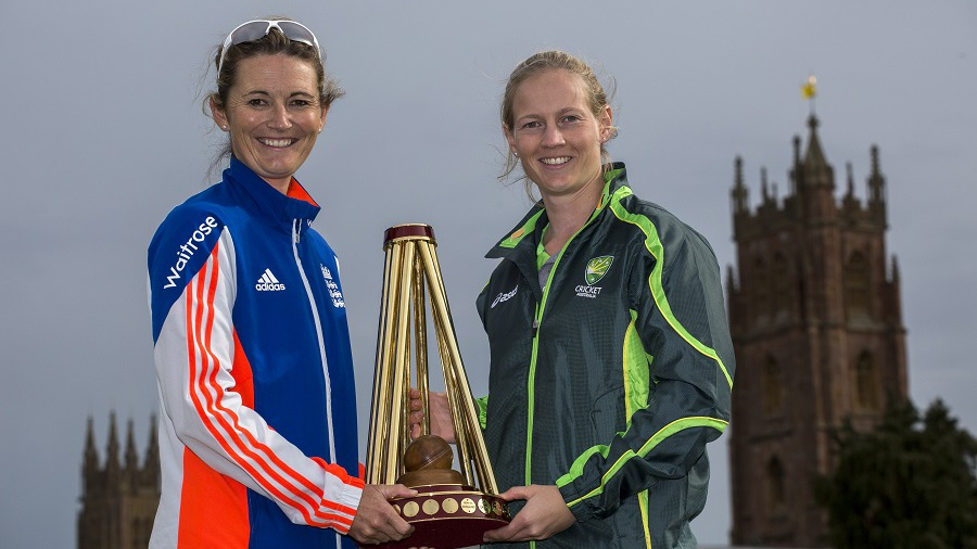 Charlotte Edwards and Meg Lanning pose with the Women's Ashes Trophy