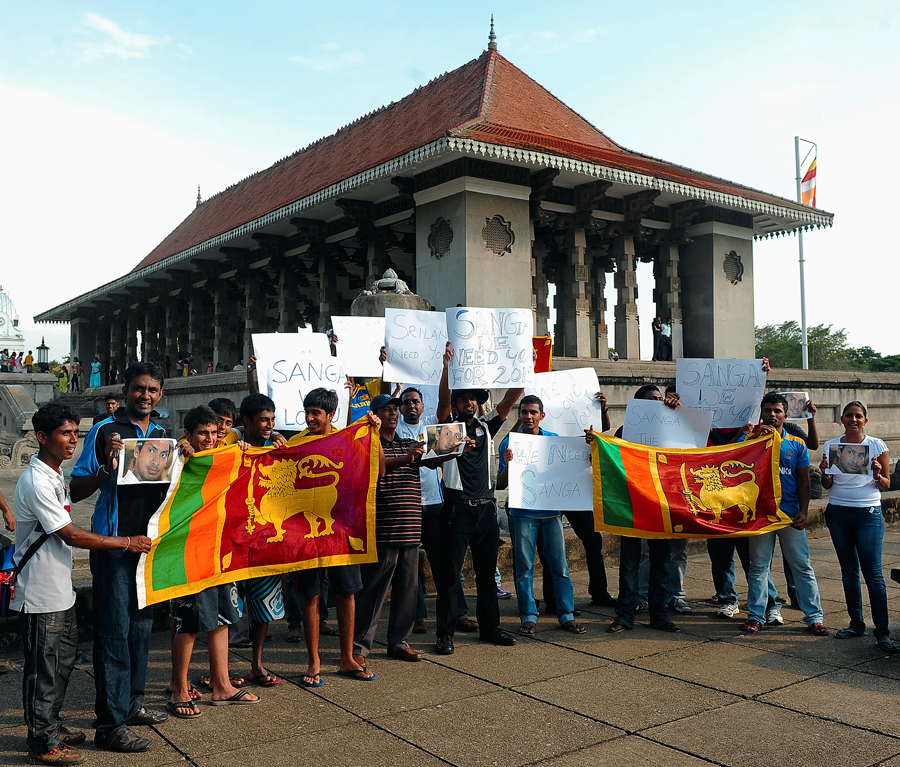 Sri Lanka cricket fans rarely let their passions spill over; the same can't be said of Sangakkara fans - a group of whom are seen here demonstrating in Colombo in April 2011, demanding Sangakkara be reappointed captain</i>