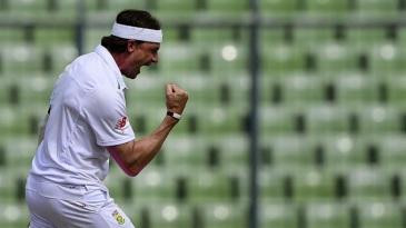 Dale Steyn exults after dismissing Mahmudullah
