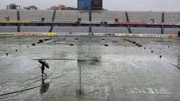 Heavy rain resulted in play being abandoned without a ball bowled