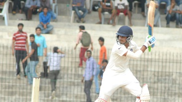 Shreyas Iyer executes the cut