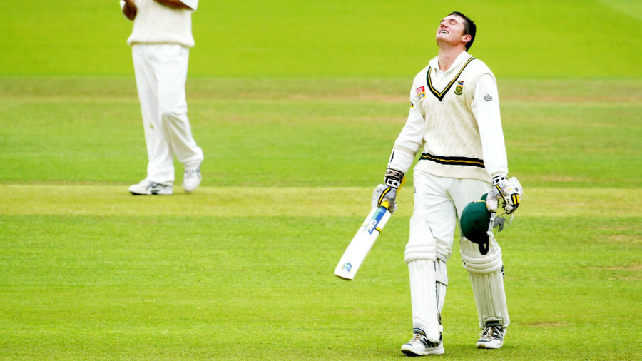 Graeme Smith celebrates his double-century