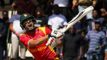 Sikandar Raza deals with a short delivery