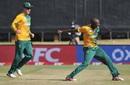 Eddie Leie is ecstatic after dismissing Tom Latham, South Africa v New Zealand, 2nd T20I, Centurion, August 16, 2015
