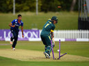 Jordan Gauci had his stumps rearranged by Saqib Mahmood, England U-19s v Australia U-19s, 3rd Youth ODI, Derby, August 17, 2015