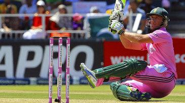 AB de Villiers plays an audacious shot over short fine leg