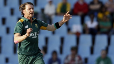 Dale Steyn stuck to his plans and took two wickets