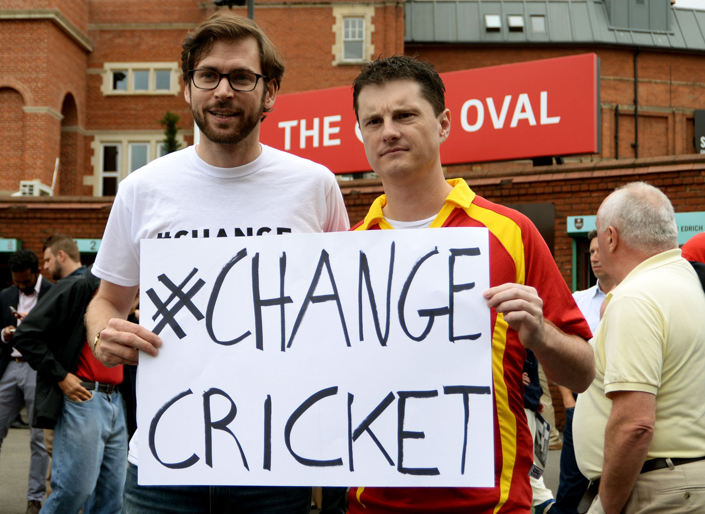 The makers of <i>Death of a Gentleman</i>, Sam Collins and Jarrod Kimber, call for change outside The Oval