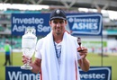 Alastair Cook poses with the Ashes Urn and trophy, England v Australia, 5th Investec Ashes Test, The Oval, 4th day, August 23, 2015
