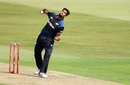 Ish Sodhi rolls his arm, South Africa v New Zealand, 3rd ODI, Durban, August 26, 2015