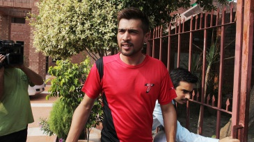 Mohammad Amir arrives at the Gaddafi Stadium to discuss his road back to high-level cricket with the PCB