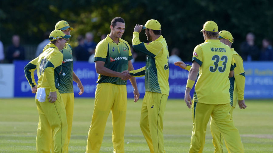 Nathan Coulter-Nile picked 3 for 13 in 4.4 overs