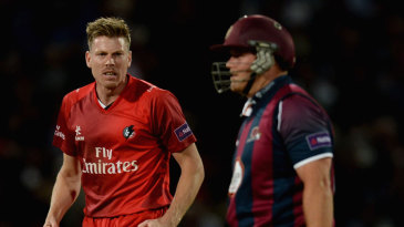 James Faulkner celebrates the wicket of Richard Levi