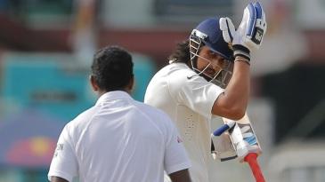 Ishant Sharma bangs his helmet, taking a dig at Dhammika Prasad