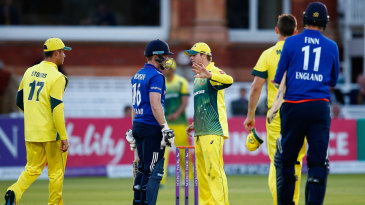 Steven Smith and Eoin Morgan have a chat at the conclusion of Australia's win