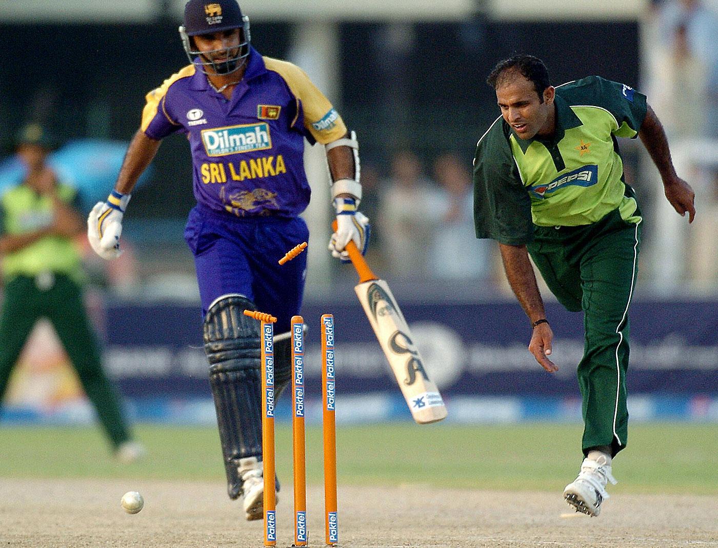 Marvan Atapattu is run out by Naved-ul-Hasan, Pakistan v Sri Lanka ...